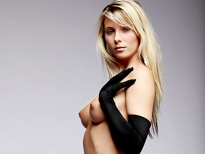 Elegant Nicole