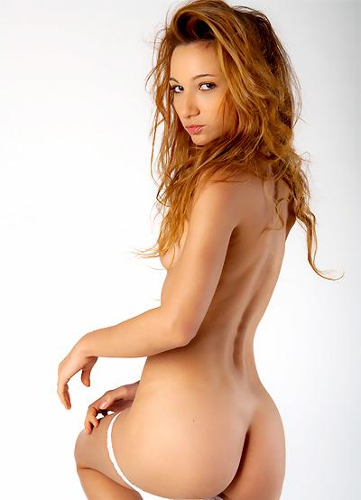 Nude Glamour Dance