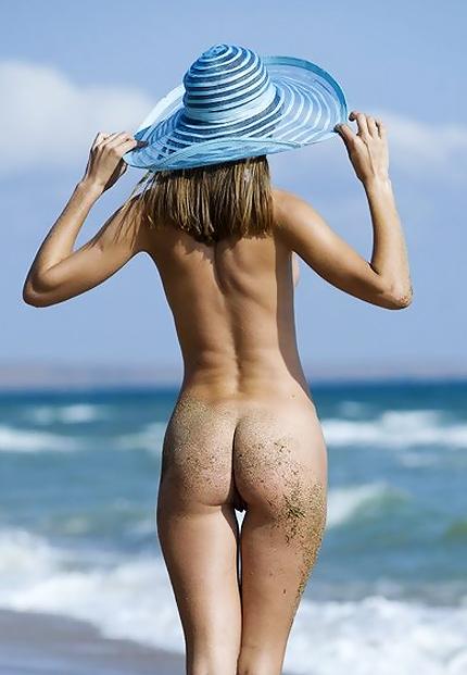 Femjoy Beach frolics